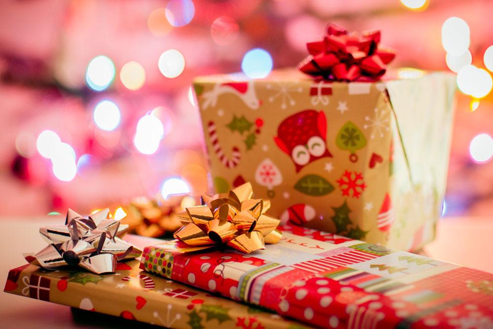 christmas-christmas-wallpaper-gifts-23074