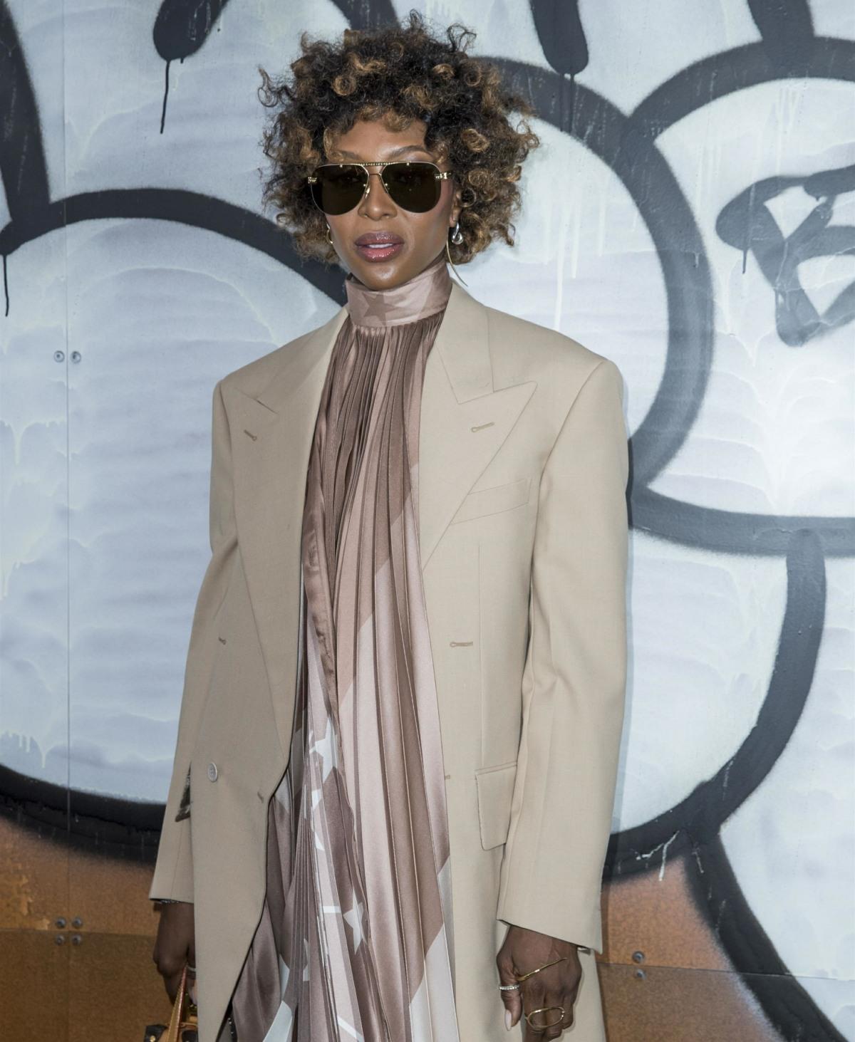 Sfilata di moda uomo Louis Vuitton