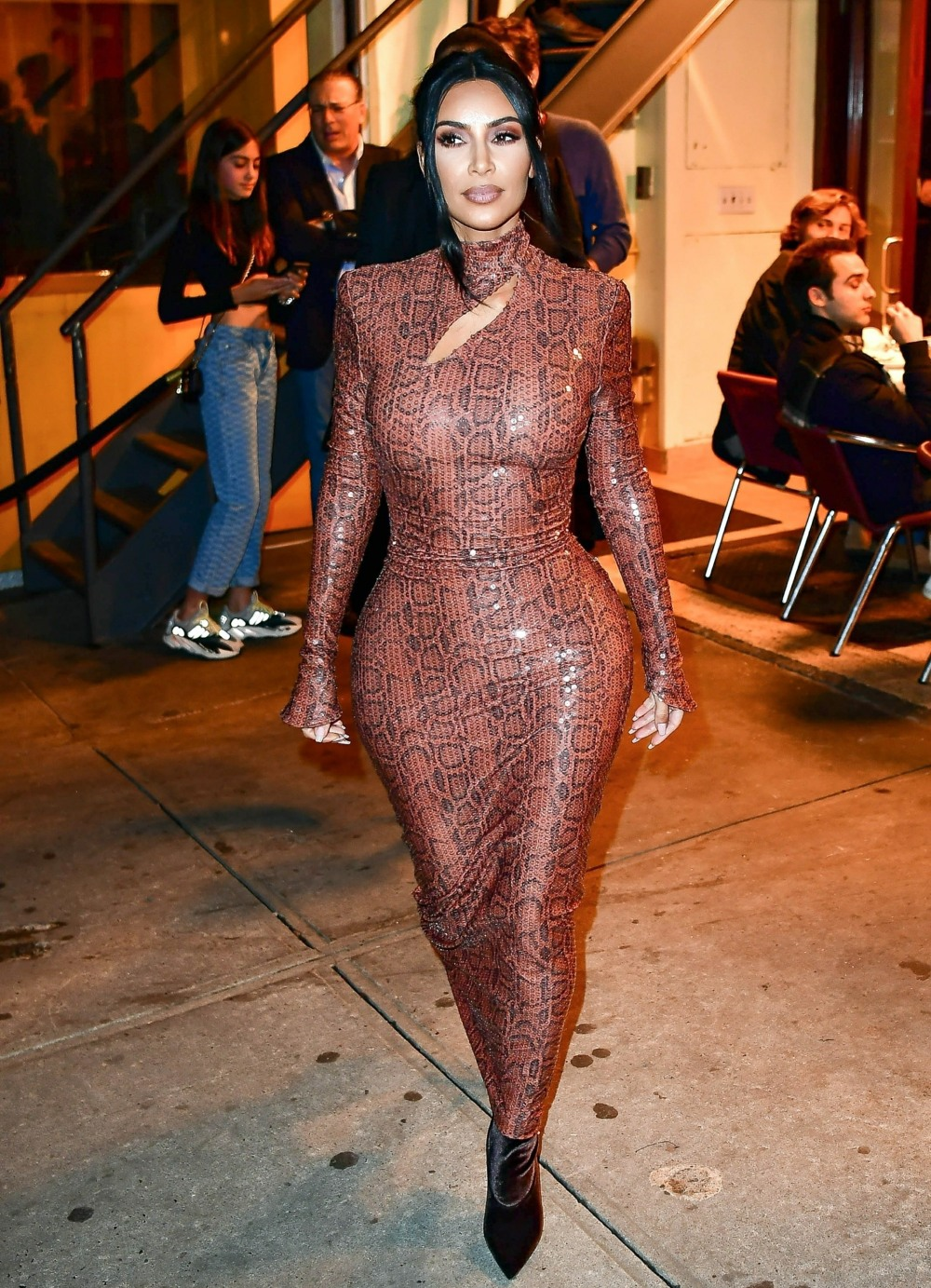 Kim Kardashian attends a dinner party at Cipriani wearing a Thierry Mugler dress