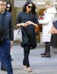 Meghan Markle è in attesa di lasciare il Met Breuer Museum prima del suo baby shower