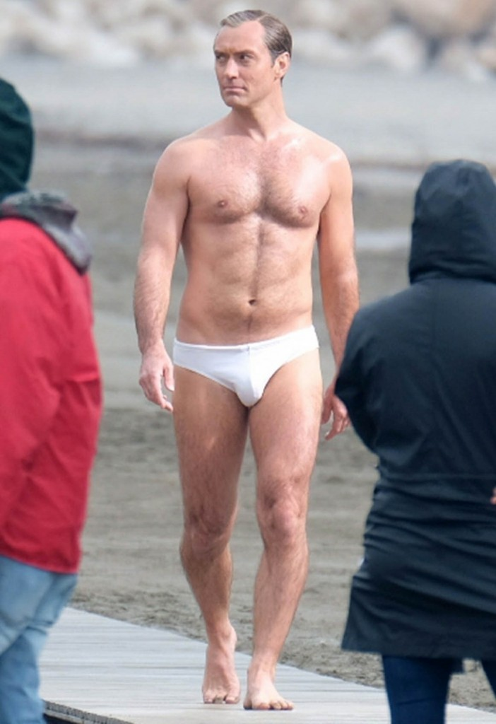 Jude Law struts his stuff in his underwear while filming in Venice