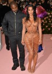Kanye West, Kim Kardashian West all'arrivo ...