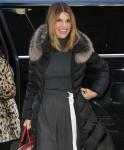Lori Loughlin nella foto che arriva allo spettacolo OGGI