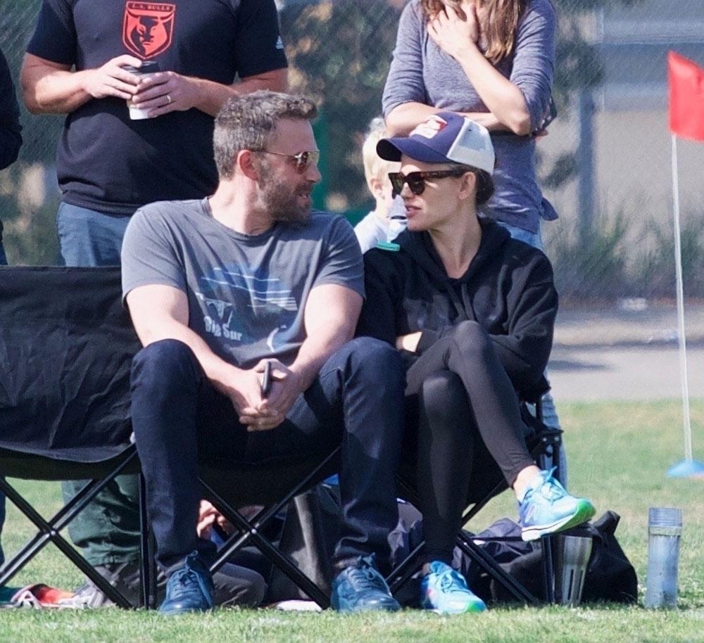 Jennifer Garner and Ben Affleck went to their daughter's soccer practice with Ben's mom