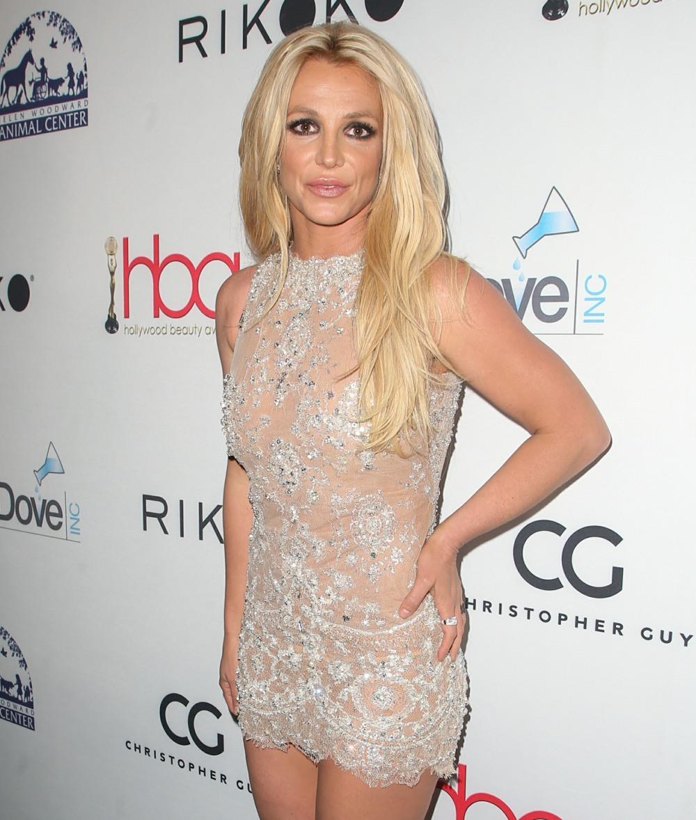 4 ° Annual Hollywood Beauty Awards - Arrivi