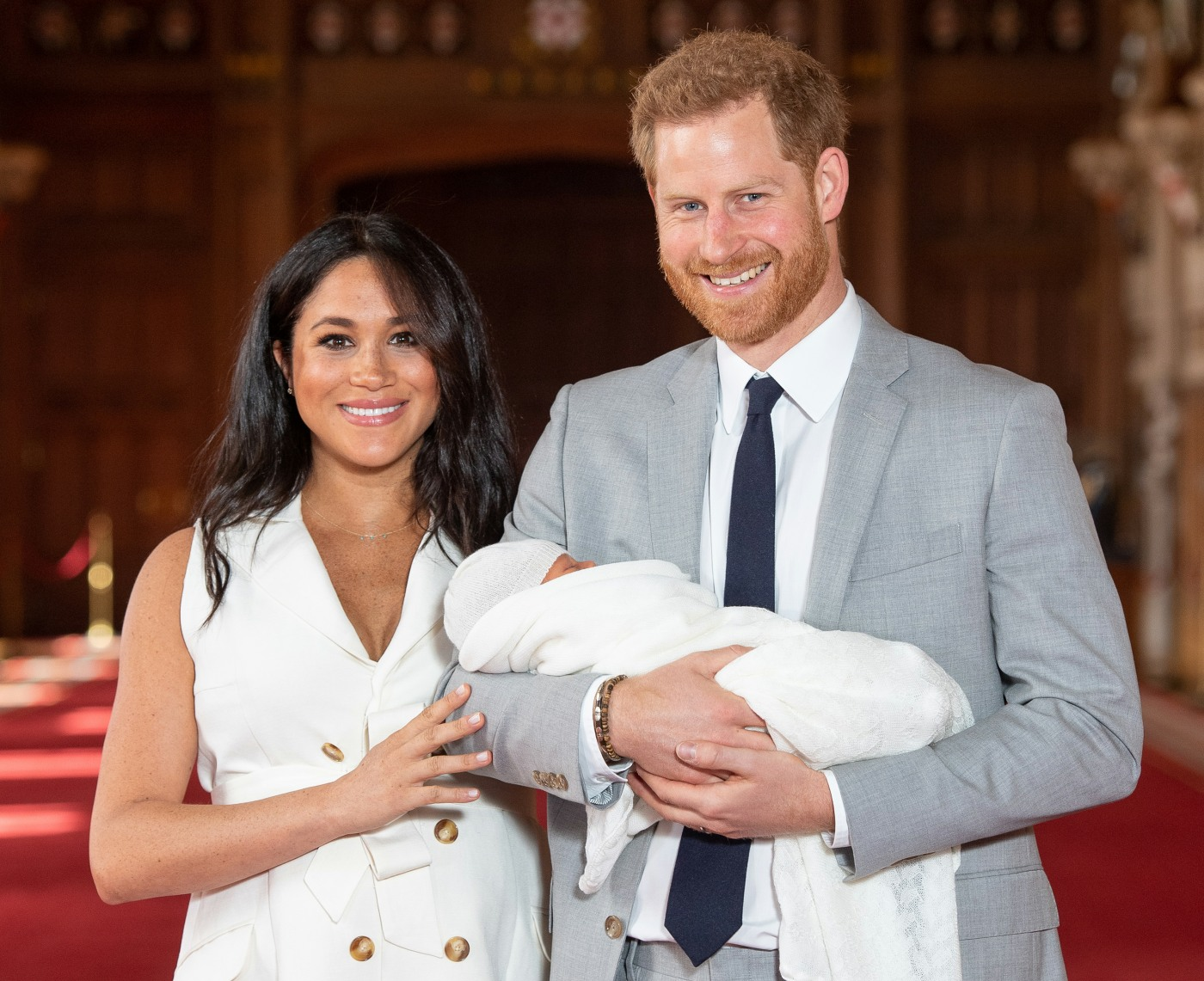 Harry e Meghan presentano Baby Sussex