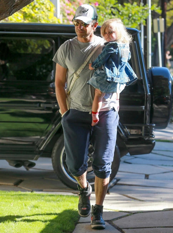Bradley Cooper arrives at his daughter Lea's class in LA