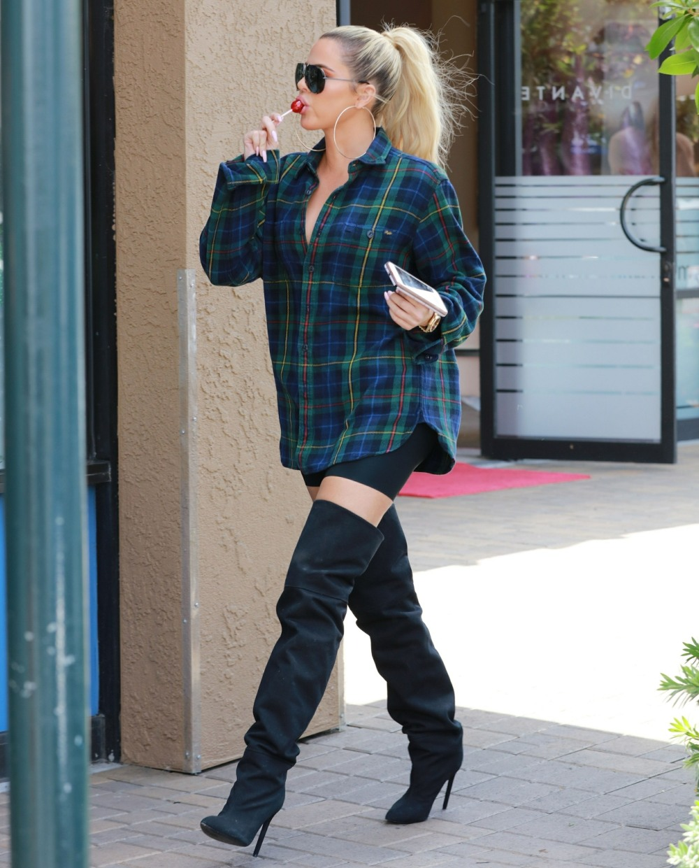 Khloe Kardashian and Scott Disick film at Maxwell Dogs store