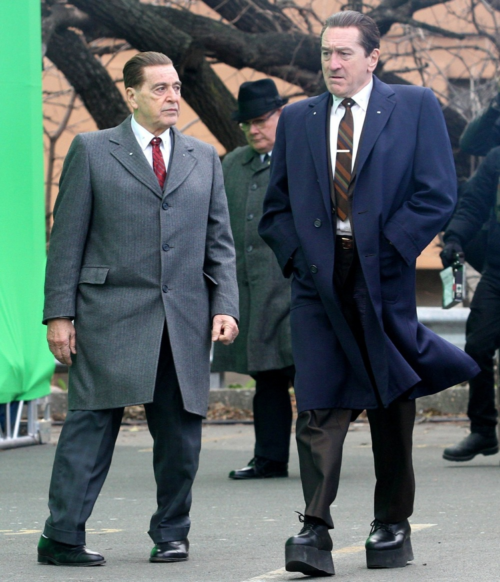 Robert De Niro wears high platform shoes to appear taller than Al Pacino in NYC