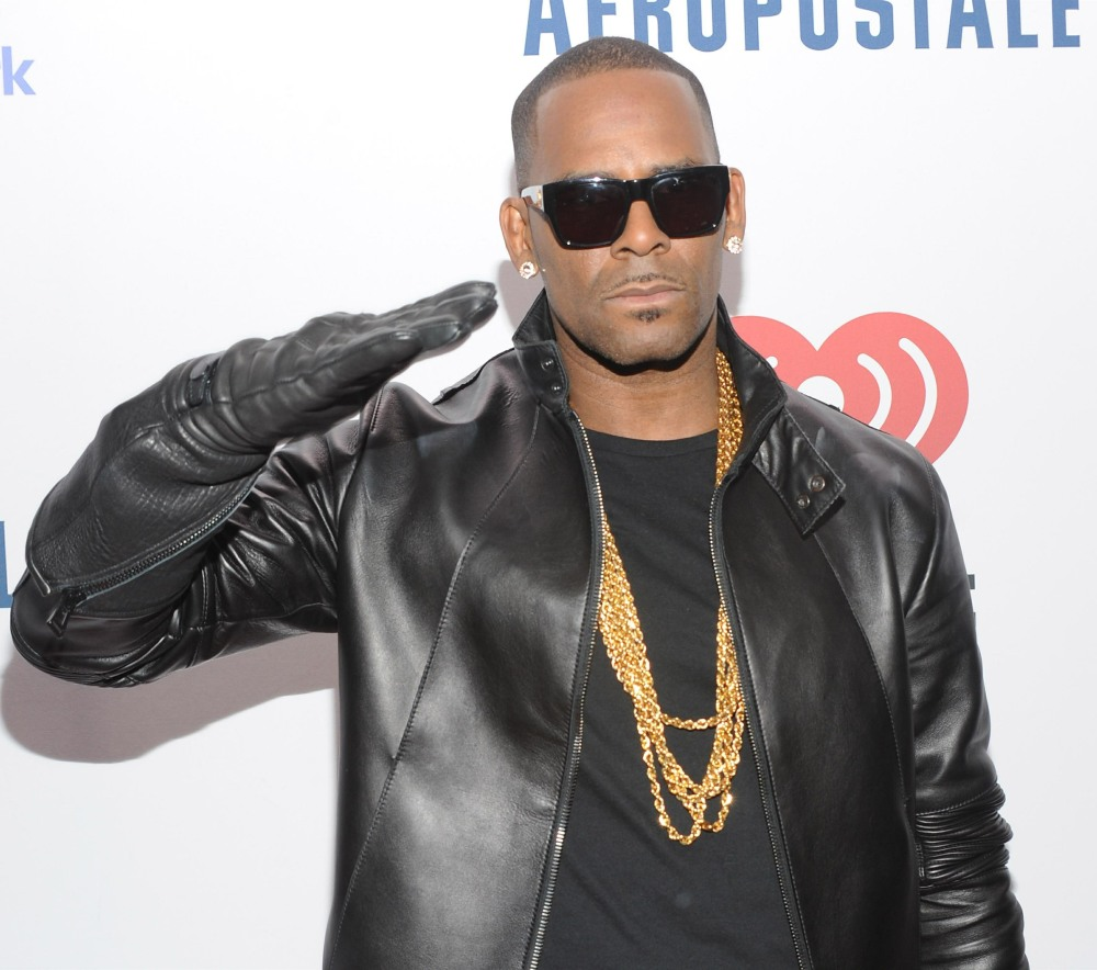 R. Kelly Charged With 10 Counts Of Aggravated Criminal Sexual Abuse **FILE PHOTOS**