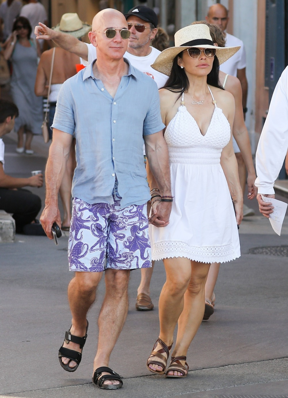 Amazon Ceo Jeff Bezos and Lauren Sanchez display some tender PDA during vacation in St. Tropez