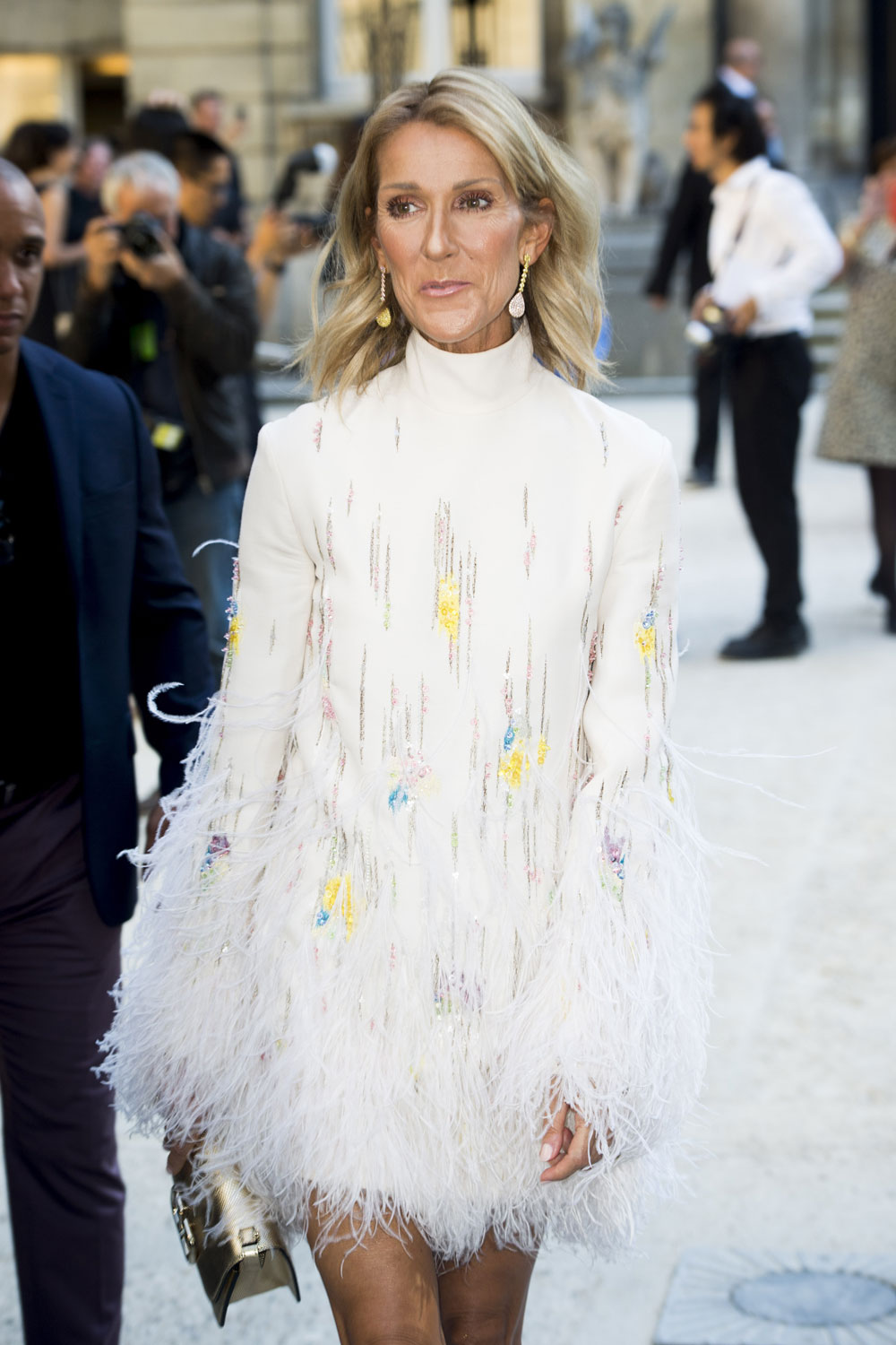 Celine Dion: fashion, grooming, hair and nails change your demeanor