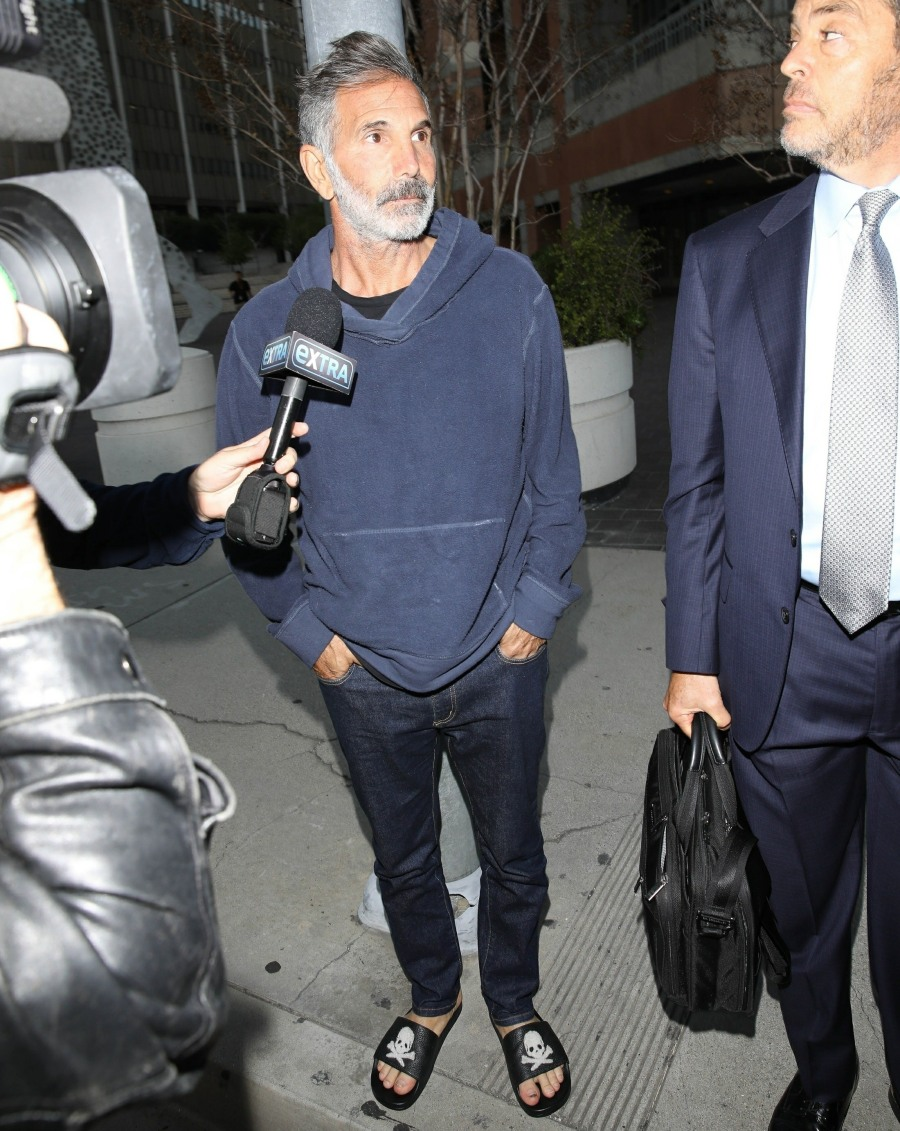 Felicity Huffman and Lori Loughlin's husband Mossimo Giannulli released on bond after facing judge over college bribery scandal