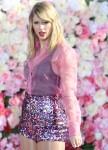 Taylor Swift si esibisce in Good Morning America della ABC