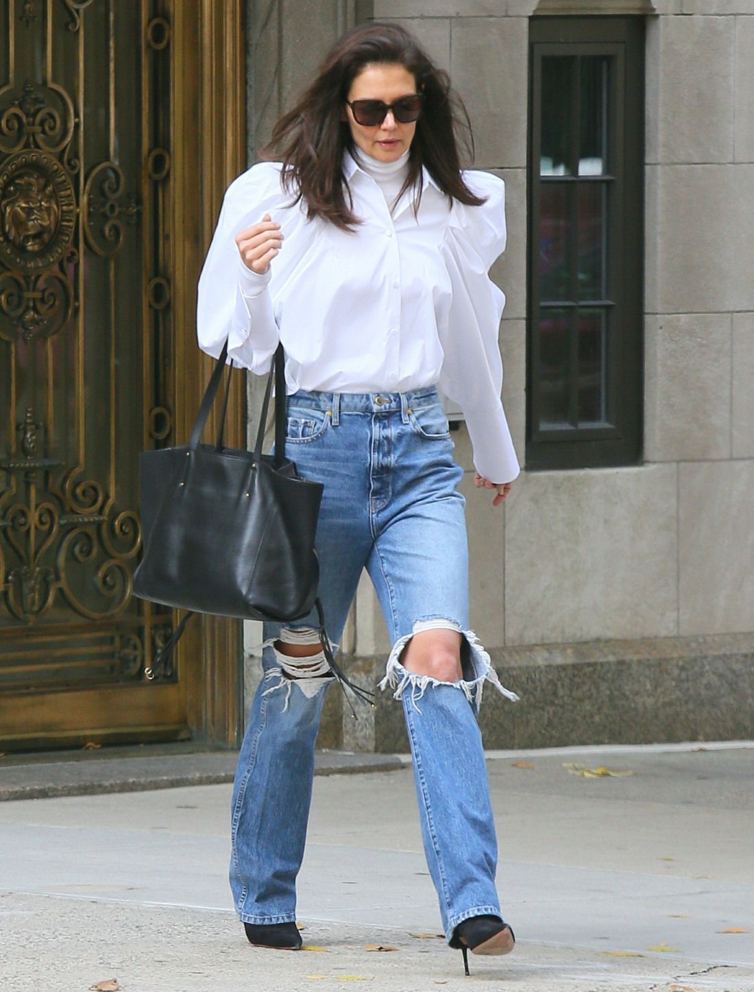 Katie Holmes esce in Style a New York