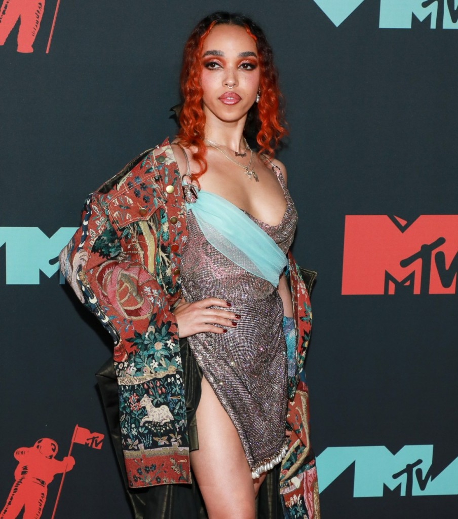 FKA Twigs at arrivals for 2019 MTV Video...