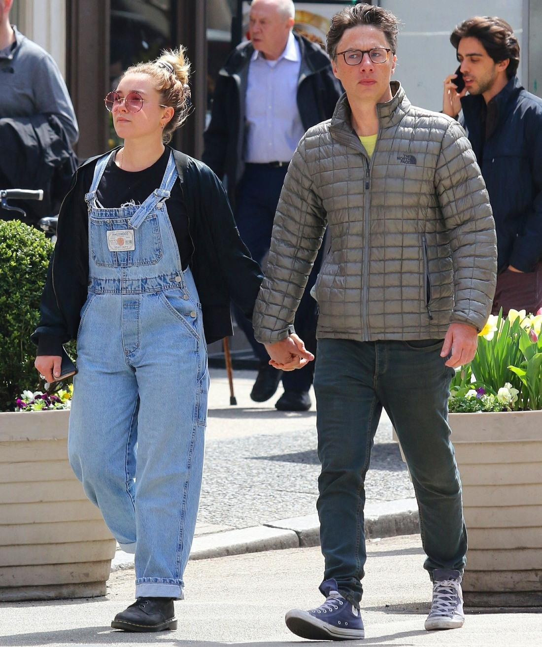 Zach Braff spotted hand-in-hand with a mystery girl in NYC!