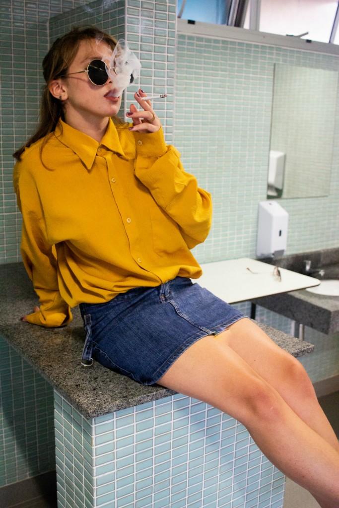 photo-of-woman-smoking-cigarette-2879585