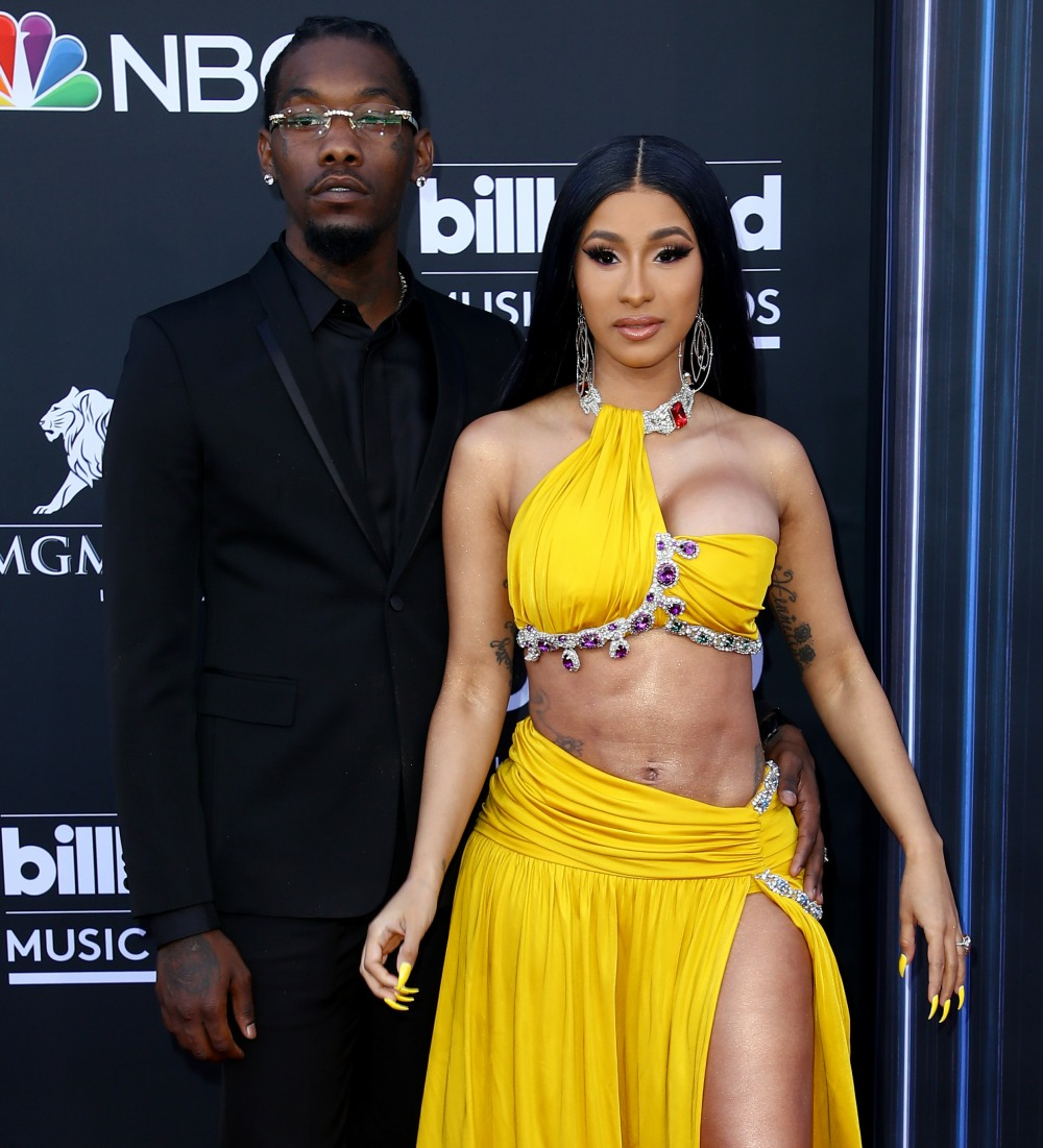 Offset S Is Still Cheating On Cardi B With Some Self: Cardi B Pretended That Offset Was Hacked To