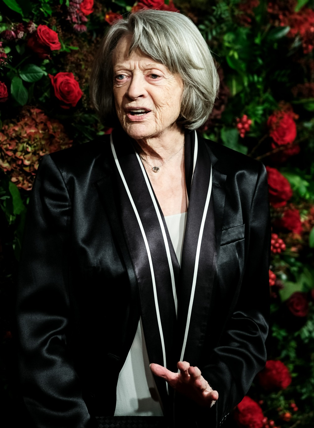 Dame Maggie Smith posa al 65 ° Evening Standard Theatre Awards di domenica 24 novembre 2019