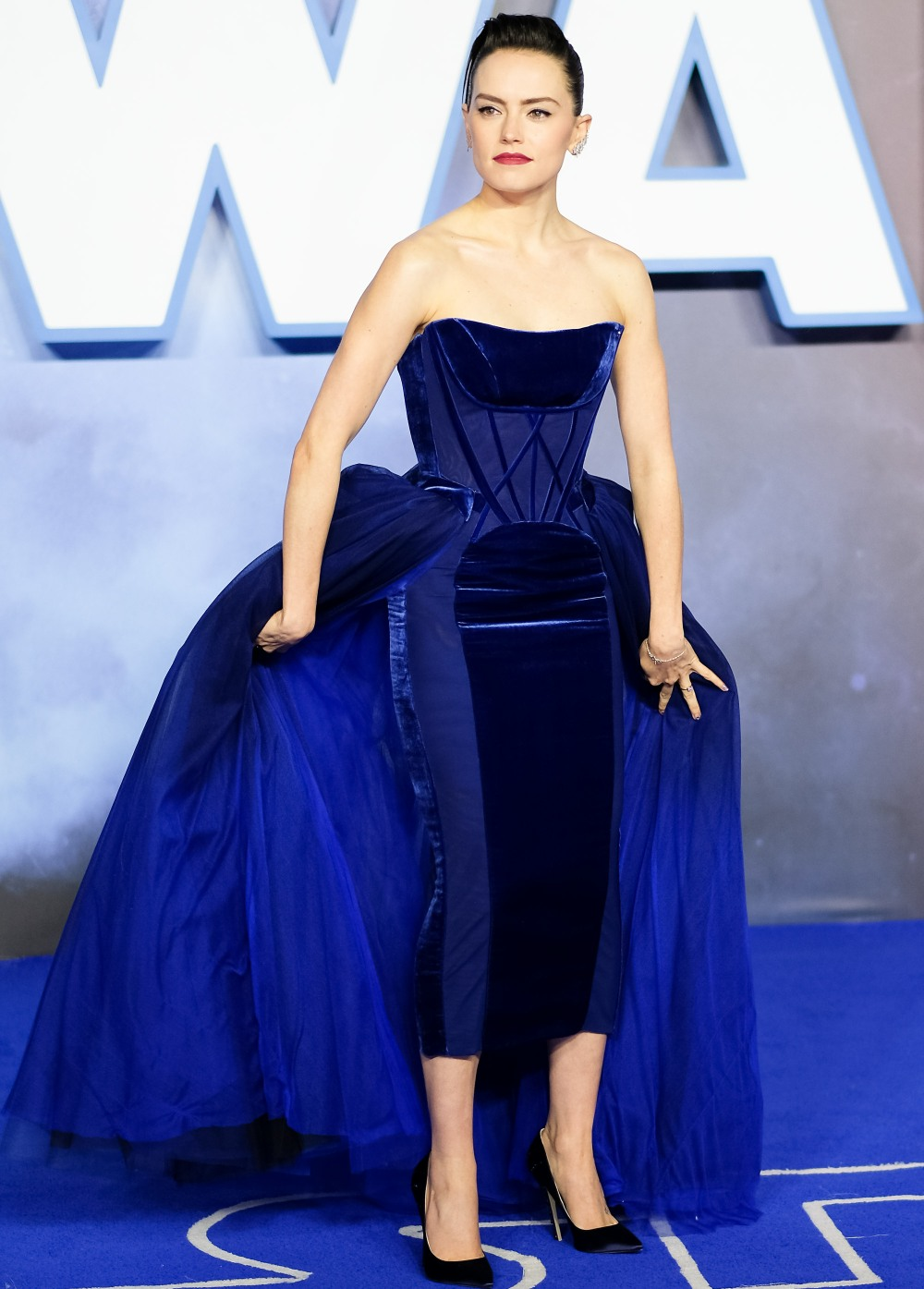 Daisy Ridley poses at European Premier of Star Wars: The Rise of Skywalker on Wednesday 18 December 2019