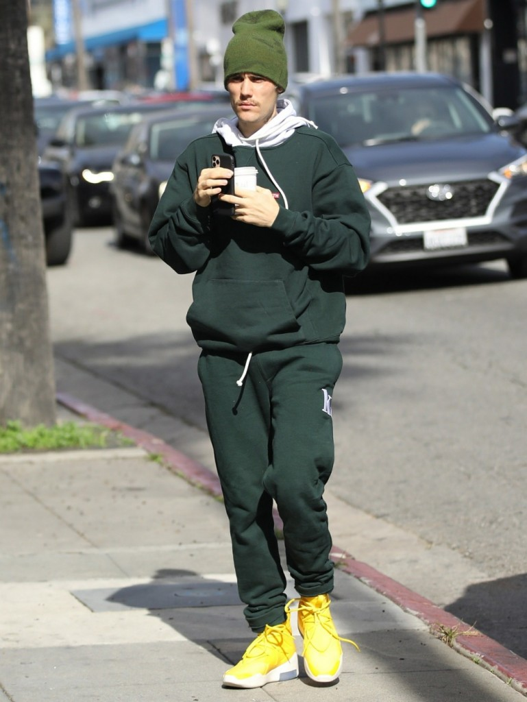 Justin Bieber steps out at Movement Dance Studio