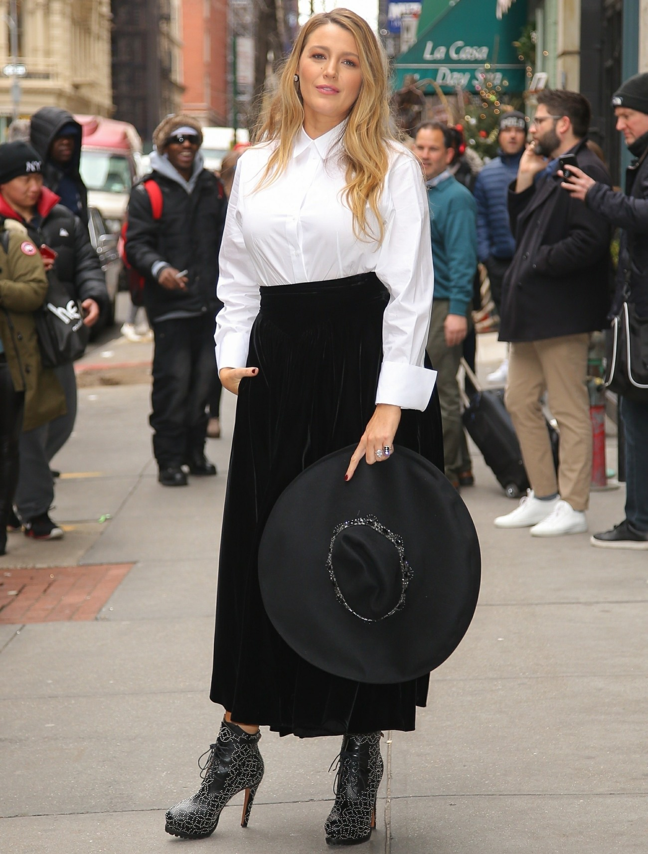 Hollywood star Blake Lively looks stunning in NYC