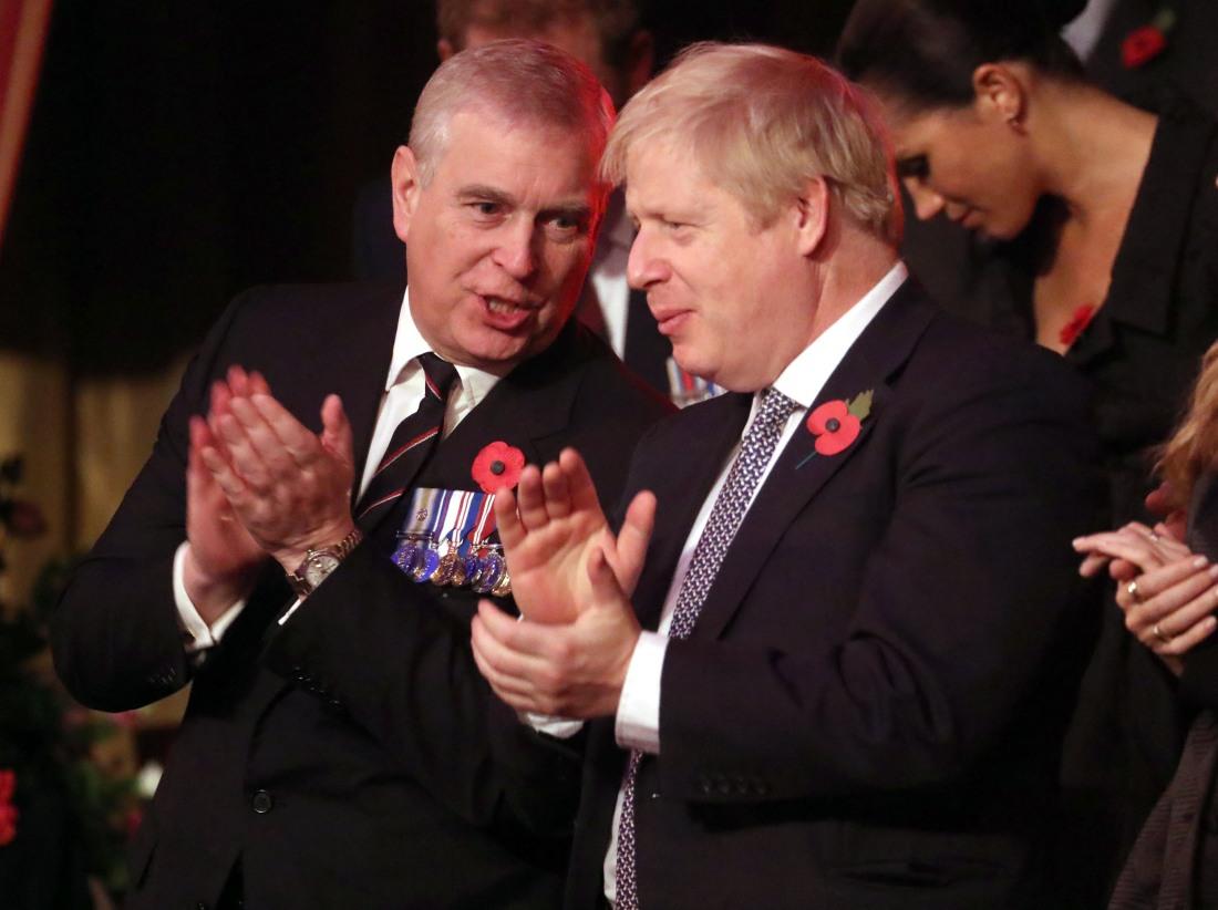 Il principe Andrew, duca di York e primo ministro, Boris Johnson frequentano l'annuale Royal British Legion Festival of Remembrance presso la Royal Albert Hall il 09 novembre 2019 a Londra, Inghilterra.