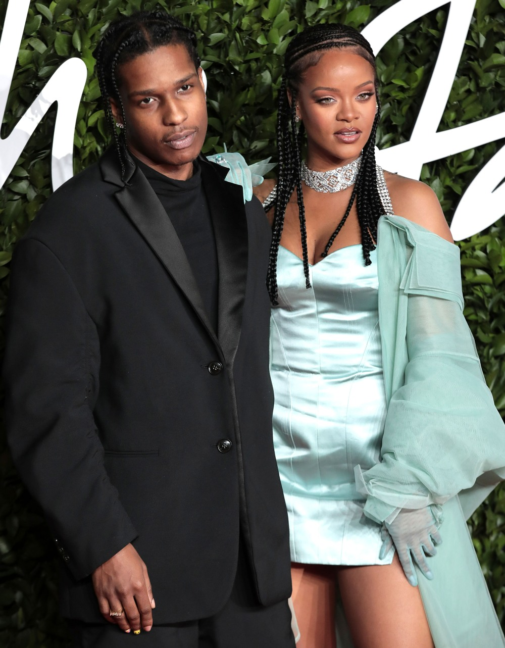 Rihanna has been spending time with A$AP Rocky & Drake, what could go wrong