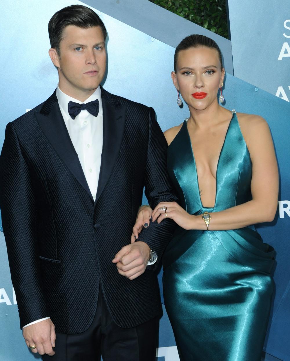 Scarlett Johansson, Colin Jost at arriva...