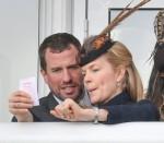 Peter Phillips, Autumn Phillips e Amelia Warner visto al Festival, Gold Cup Day, Venerdì, Ippodromo di Cheltenham, Cheltenham, Gloucestershire, Regno Unito