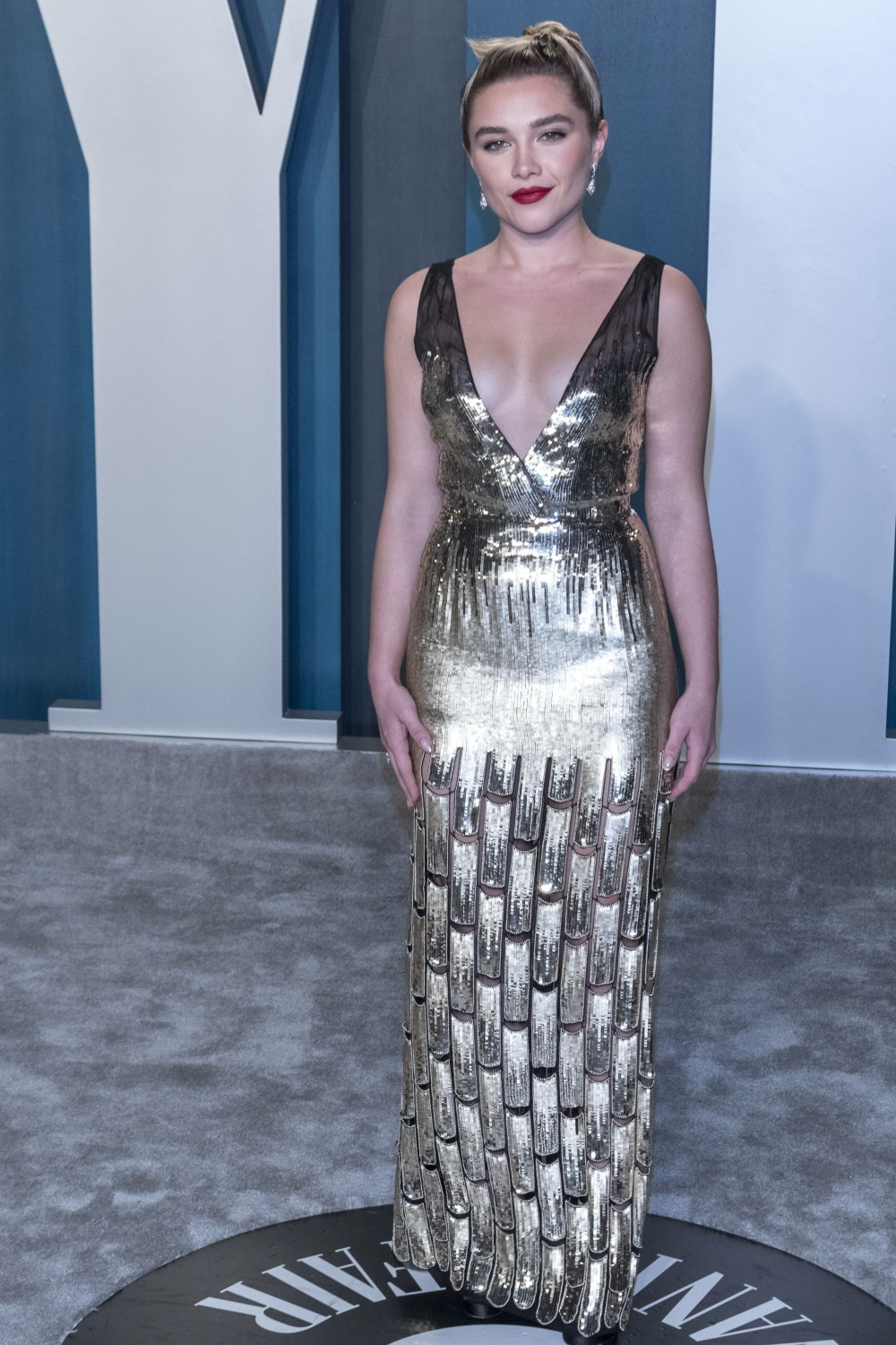 Florence Pugh attends the Vanity Fair Oscar Party at Wallis Annenberg Center for the Performing Arts...