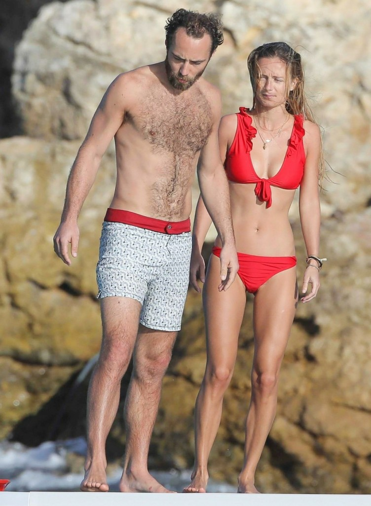 James Middleton shares the PDA with a new girl in Saint Barts