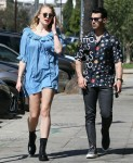 Joe Jonas e la moglie incinta Sophie Turner fanno una corsa di succo a Los Feliz