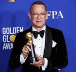 L'attore Tom Hanks che indossa Tom Ford pone nella sala stampa del 77 ° Golden Globe Awards tenutosi presso il Beverly Hilton Hotel il 5 gennaio 2020 a Beverly Hills, Los Angeles, California, Stati Uniti.