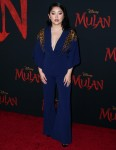 """Lana Condor partecipa alla premiere del """"MULAN"""" della Disney a Los Angeles"""