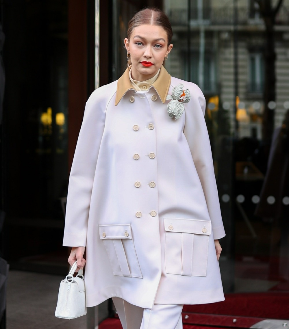 Gigi Hadid strikes again during PFW!