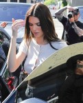 Kendall Jenner shows off her toned abs as she  leaves Croft Alley