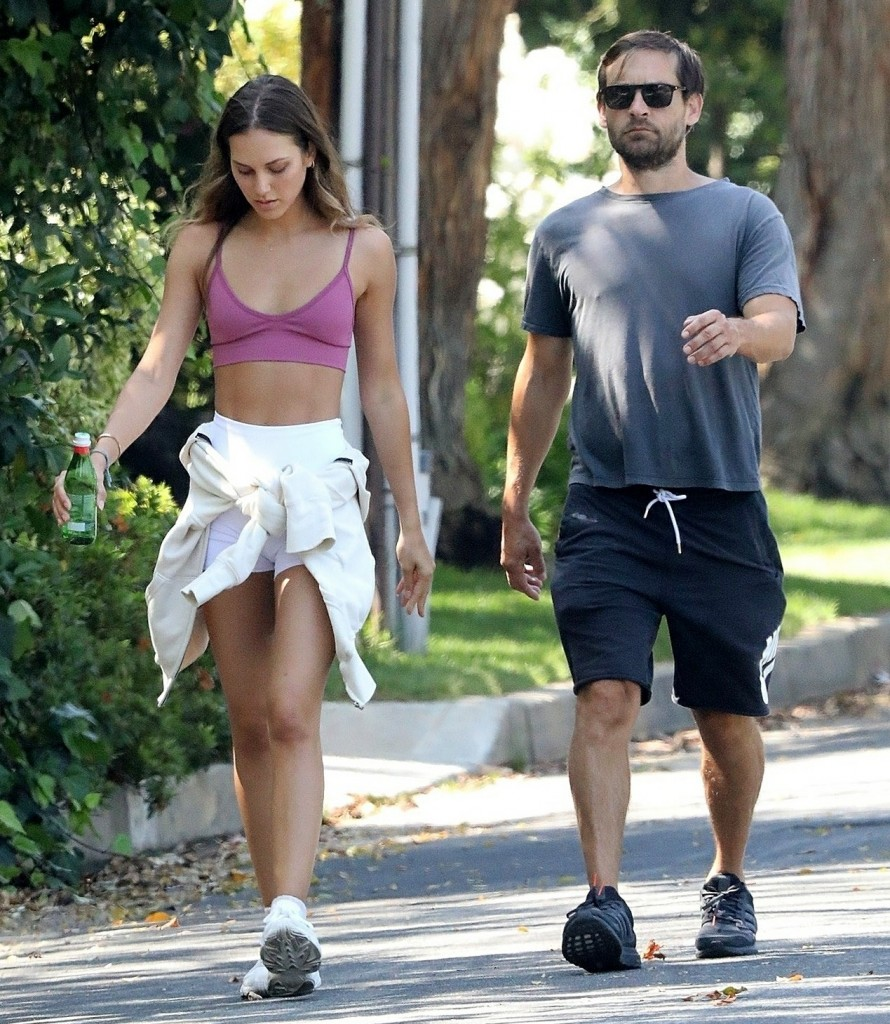 Tobey Maguire and Tatiana Dieteman get in a Afternoon Walk