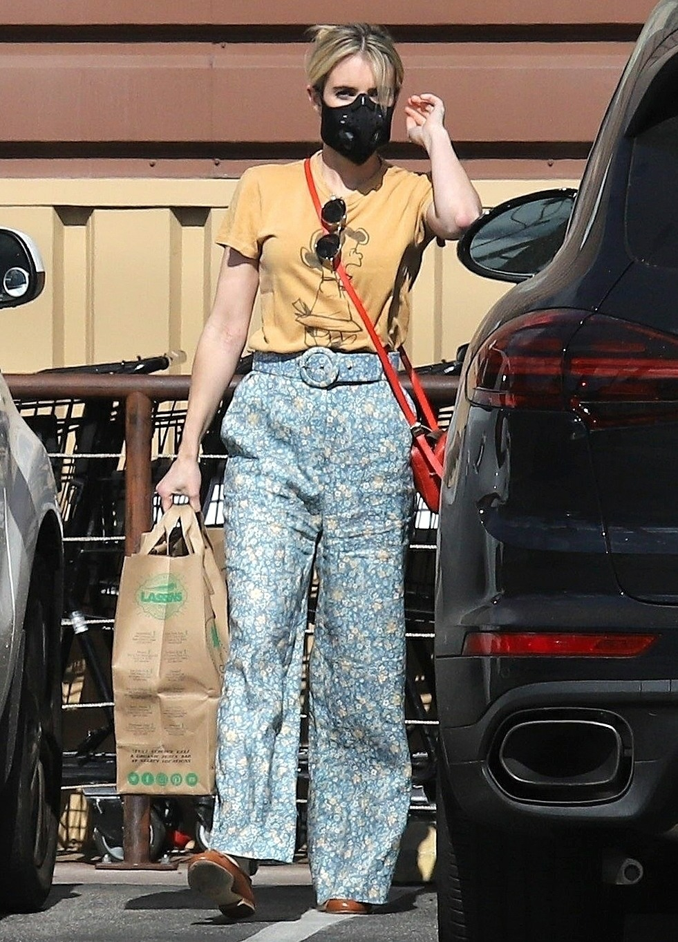 Emma Roberts makes a quick trip to the Grocery Store