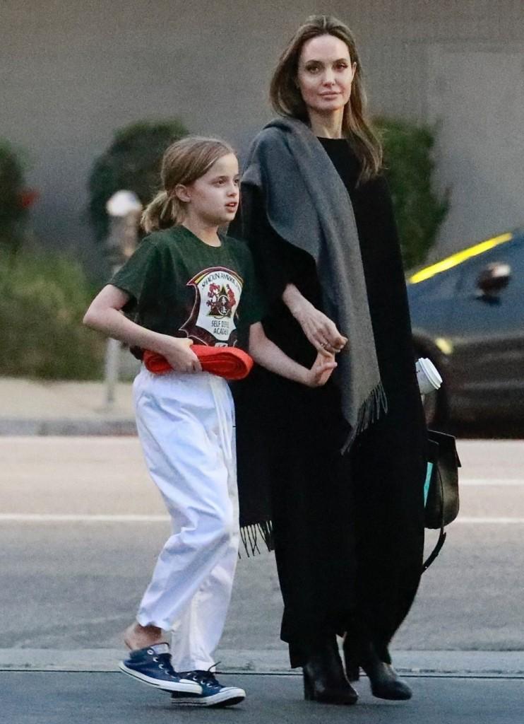 Angelina Jolie picks up Vivienne after her karate class
