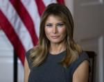 La First Lady Melania Trump ospita una sessione d'ascolto con i giovani dall'iniziativa per la verità