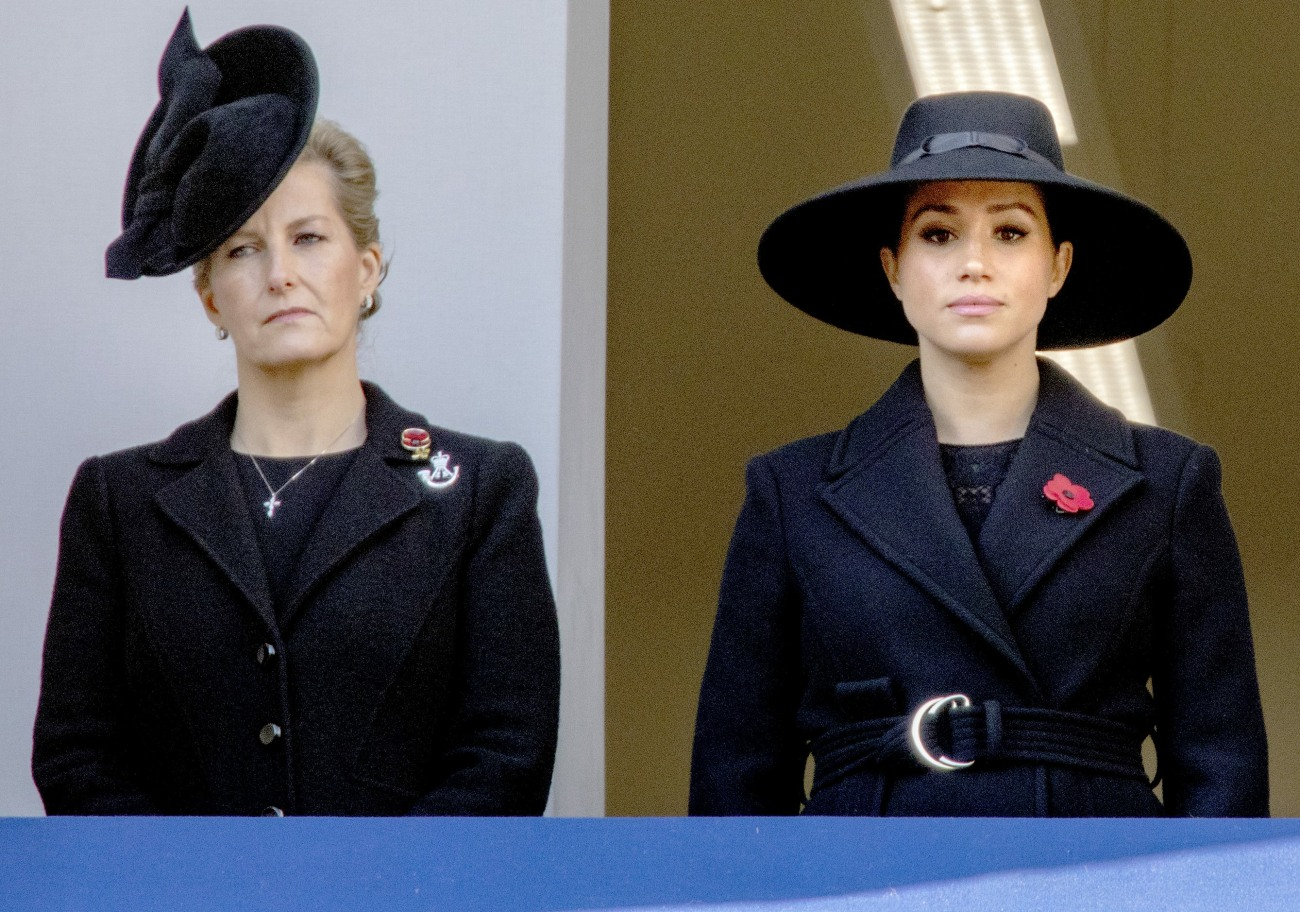 Sophie, Countess of Wessex and Meghan, Duchess of Sussex at the balcony of  the Foreign and Commonwealth Office at Whitehall in Londen, on November 10, 2019, to attend the National Service of Remembrance at the Cenotaph Photo: Albert Nieboer /  Netherlands OUT / Point de Vue OUT |