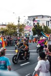 people-watching-people-riding-motorcycles-2565860