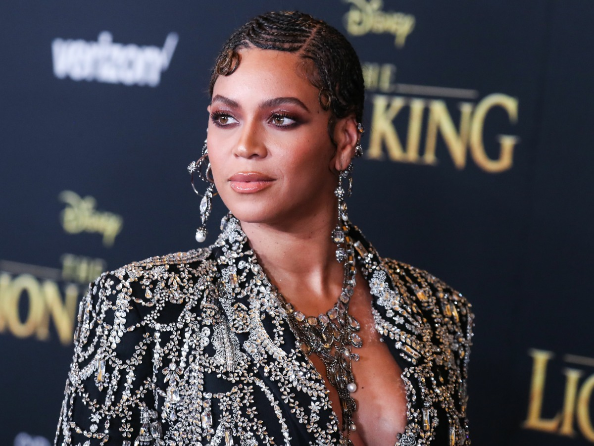 Singer Beyonce Knowles Carter wearing an outfit by Alexander McQueen and Lorraine Schwartz jewelry arrives at the World Premiere Of Disney's 'The Lion King' held at the Dolby Theatre on July 9, 2019 in Hollywood, Los Angeles, California, United States. (Ph