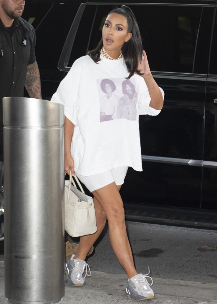 Kim Kardashian reps music icons Michael Jackson and Prince at JFK Airport