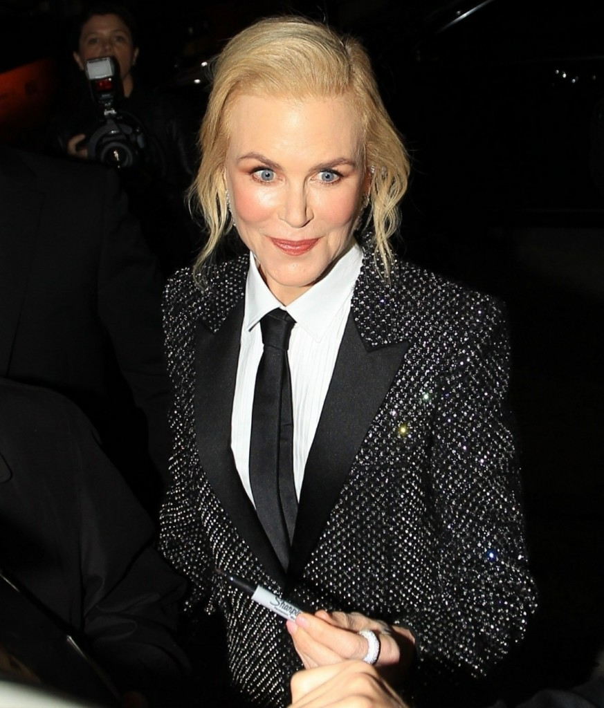 Nicole Kidman greet fans at the 'Bombshell' premiere in Westwood