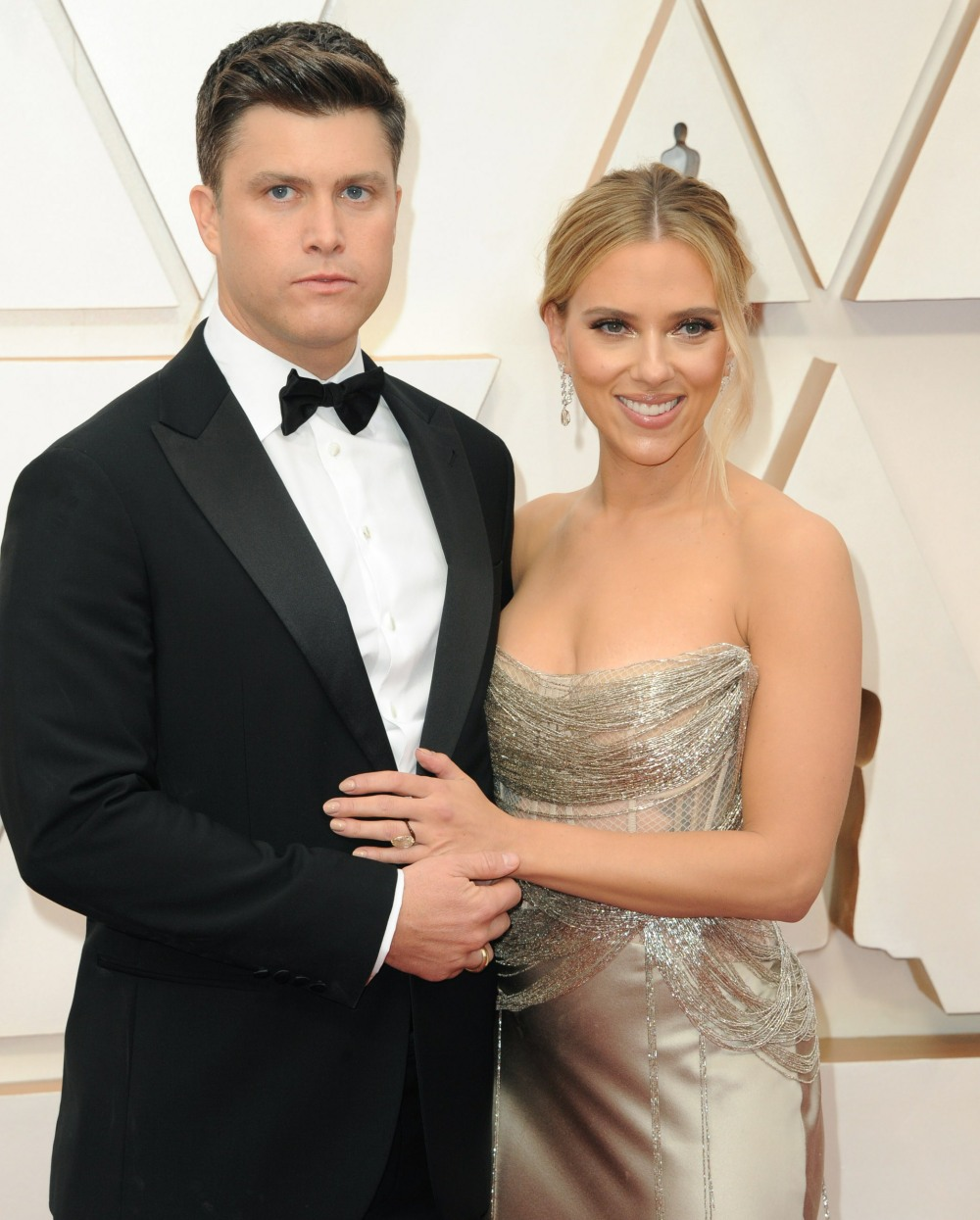 Colin Jost, Scarlett Johansson at arriva...
