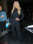 Jessica Simpson strikes a pose outside her NYC Hotel