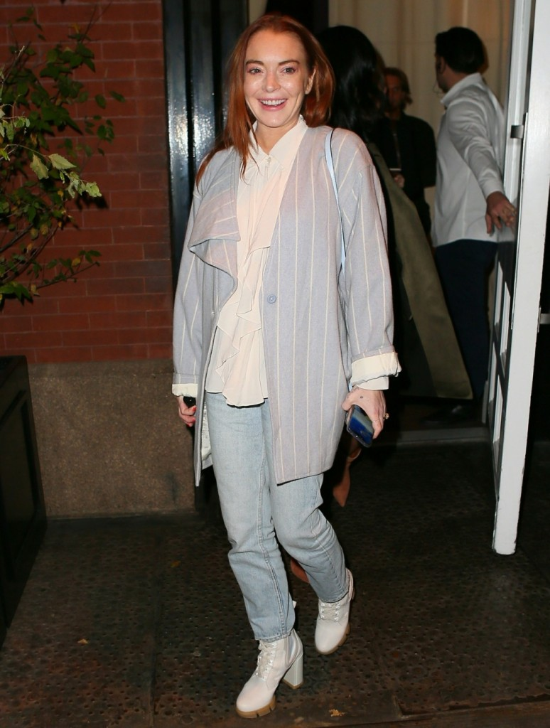 Lindsay Lohan exits the Mercer Hotel for a night out